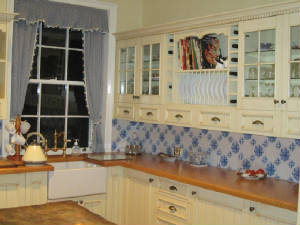handpainted kitchen backsplash tiles